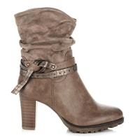 Hnědé zimní kotníkové boty na podpatku