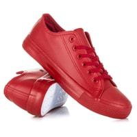 Červené moderní tenisky