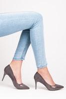 Semišové boty na podpatku šedé