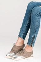 Šněrovací dámská obuv se stříbrnou špičkou