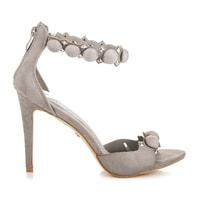 Stylové šedé sandály s ozdobami