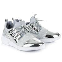 Lakovaná sportovní obuv stříbrná