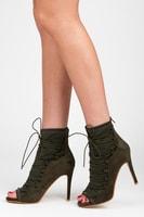Khaki kotníkové boty s efektním vázáním