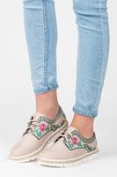 Dámská obuv s květinovou vyšívkou