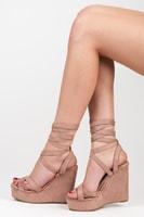 Vázané sandály na klínu růžové