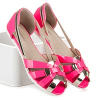 Růžové lakované sandály