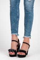 Semišové sandály na klínu černé