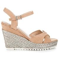 Béžové sandály espadrilky na klínu