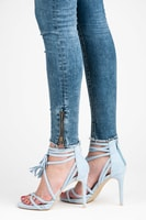 Světle modré semišové boho sandály na jehlovém podpatku