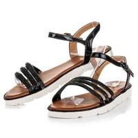 Letní lakovaná obuv černá