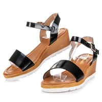 Lakované sandály se vzorem černé