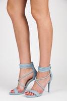 Světlé modré sandály na podpatku
