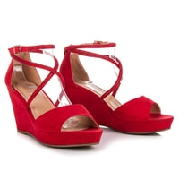 Semišové boty na klínu s ozdobami červené