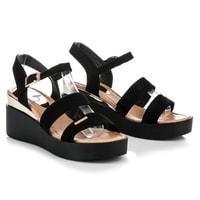 Sandály na klínu černé