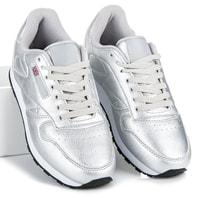 Stříbrné sportovní boty