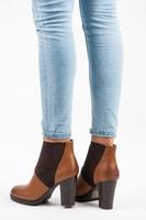 Nazouvací boty na podpatku béžové