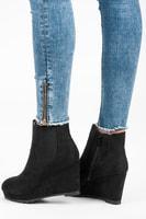 Boty na klínu černé