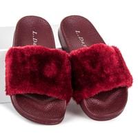 Rudé chlupaté dámské pantofle