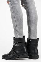 Módní černé boty