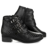 Černé boty s přezkami