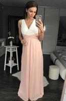 Dámské dlouhé šaty s průstřihy růžové