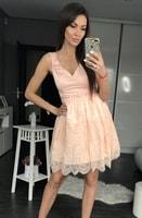 Dámské šaty s krajkovou sukní světle růžové