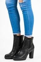 Vysoké kotníkové boty na platformě černé