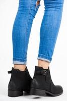Černé kotníkové boty nízké