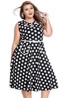 Retro puntíkované šaty pro plnoštíhlé
