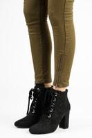 Elegantní kontíkové boty se šněrováním černé
