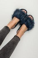 Modré domácí pantofle fluffy