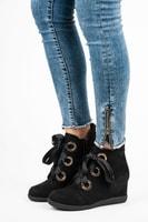 Kotníkové boty vázané stužkou černé