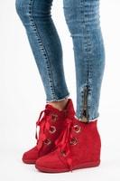 Kotníkové boty vázané stužkou červené