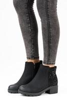 Kotníkové boty s kamínky