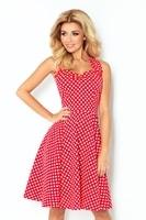 Červené dámské šaty s bílými puntíky a šněrováním na zádech