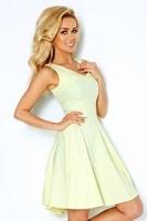 Světle žluté šaty s širokou sukní