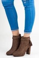 Semišové kotníkové boty s třásněmi hnědé