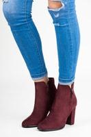 Bordó semišové kotníkové boty na sloupku