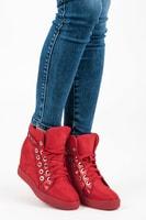 Červené sneakery