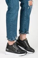 Sportovní boty na klínu černé